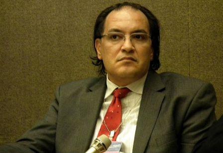 الأستاذ حافظ أبو سعدة