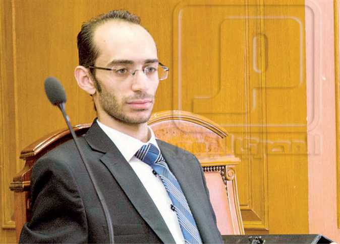الأستاذ محمد عبد العزيز