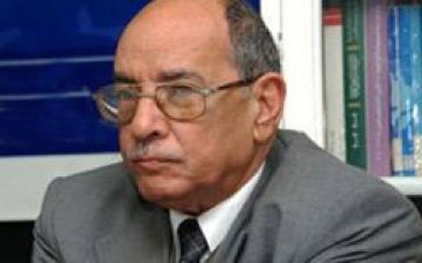 الأستاذ عبد الغفار شكر