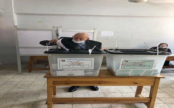 رئيس القومي لحقوق الإنسان يدلي بصوته في انتخابات مجلس النواب