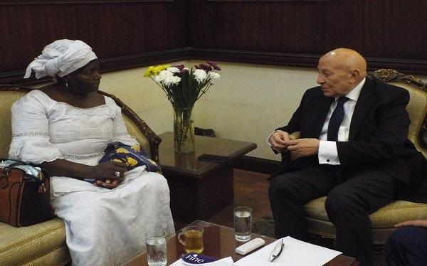 """رئيس """"القومى لحقوق الإنسان """" يستقبل وفد المركز الأفريقى لدرسات الديمقراطية وحقوق الإنسان"""